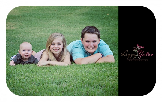 Beautiful family of three kinds photographed in Chenal