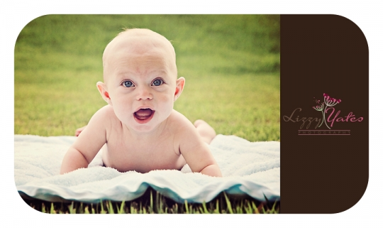 Look at those baby blues!  Baby smiles in a chenal photography session