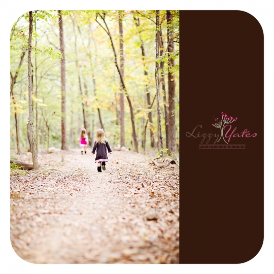 Little Rock Photographer captures sisters running during a fall photography session