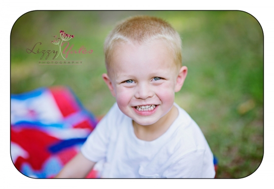 North Little Rock Child Photographer captures a happy boy in Burns Park