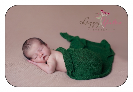 Newborn pictures in arkansas based in little rock