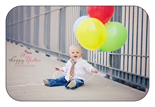 one year old pictures with balloons in little rock